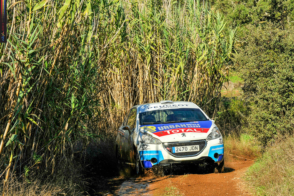 16 GAGO Diogo, CARVALHO Jorge PEUGEOT 208 R2 action during the 2015 Rallye Casinos do Algarve, from November 7 to 8th, at Loulé, Portugal. Photo Albano Loureiro/ AIFA