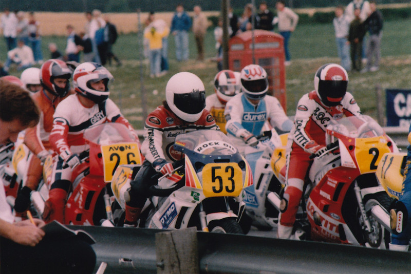 British Supersport Championship Mallory Park 1989. L-R: Gary Weston #26, Adam Lewis #53, Steve Chambers, James Whitham, Eric McFarlane #2