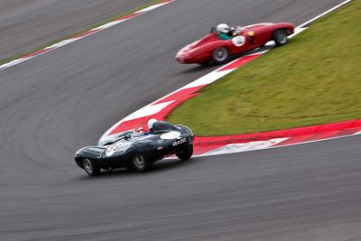 Jaguar D Type (58), Ferrari 750 Monza (12)