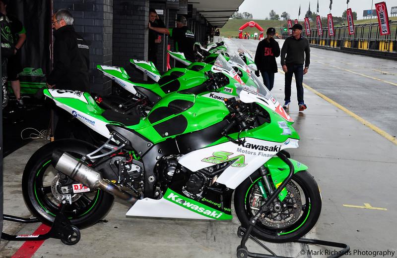 Australasian Superbikes - SMSP - Dec 16 - Pits