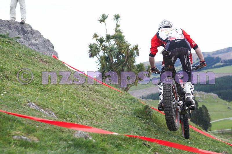 20101024_123338_NZSN1655