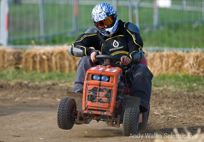 Brinsbury Lawnmower Race-4289