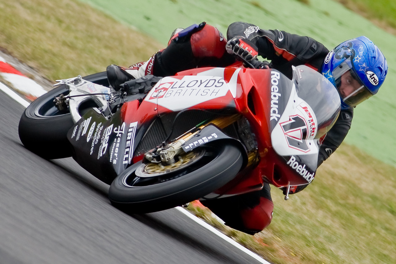 3316-SBK-Brands_Hatch-2nd_Aug