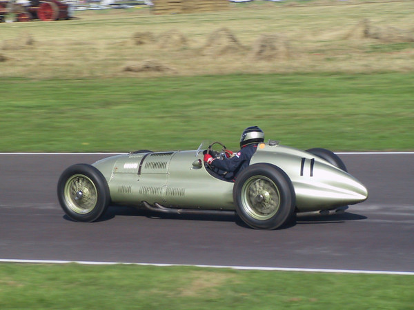 Goodwood Revival 02 Racing