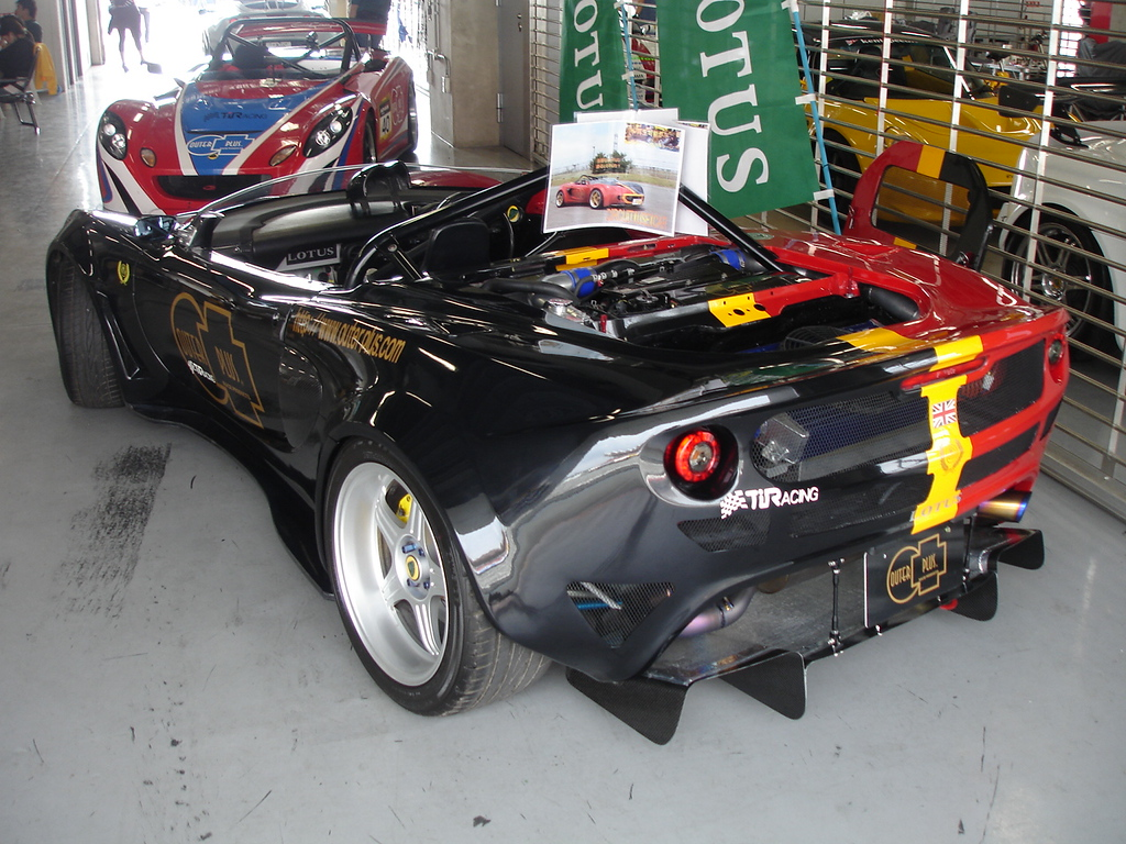 track car - modified exige/elise