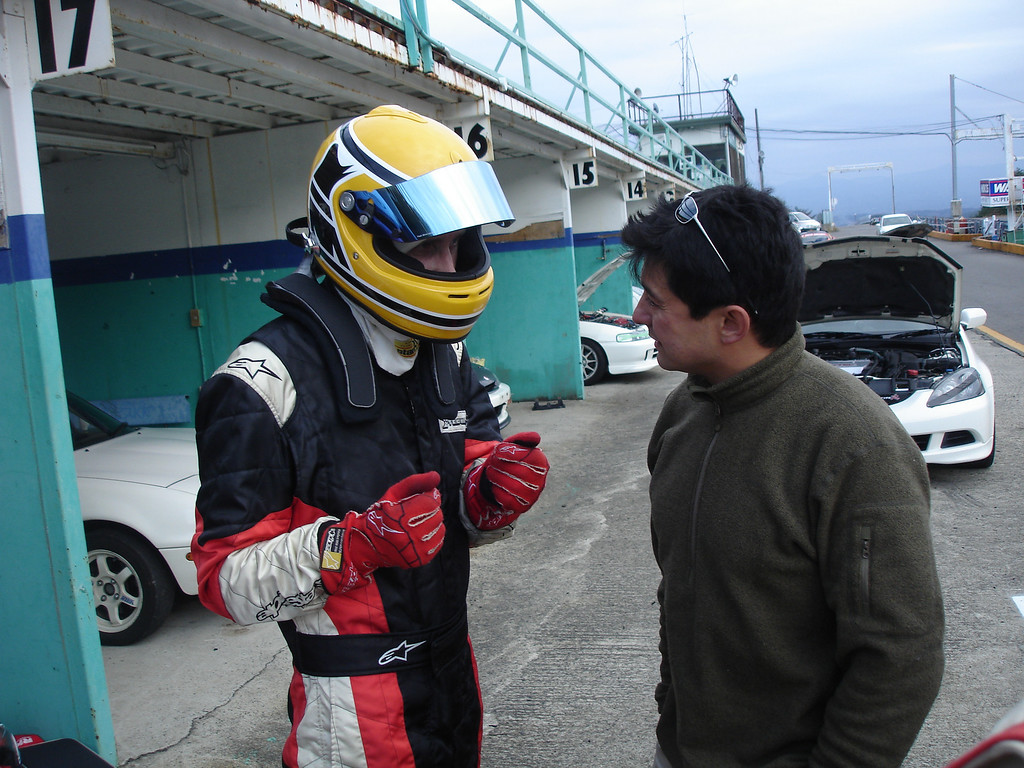 Tom discussing race strategy with Miguel