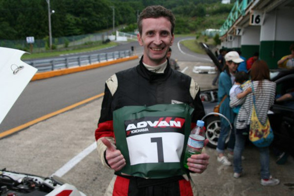 Car no.1 takes No. 1!  a happy tired Tom (drver no.2)