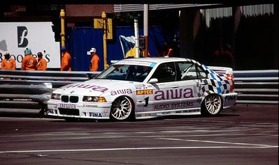 Joachim Winkelhock - Schnitzer BMW 318i.