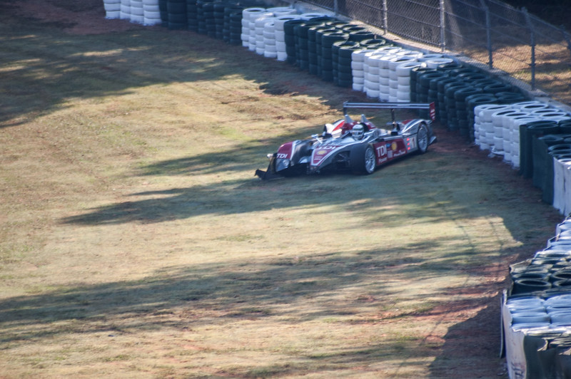 Allan McNish bins the R10 on the out lap before the race even starts!