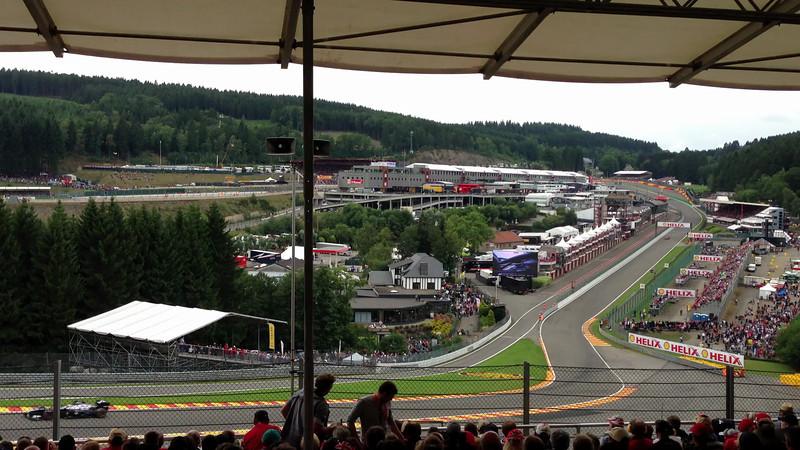 Vettel then Alonso thru Eau Rouge - 2013 Belgian Grand Prix