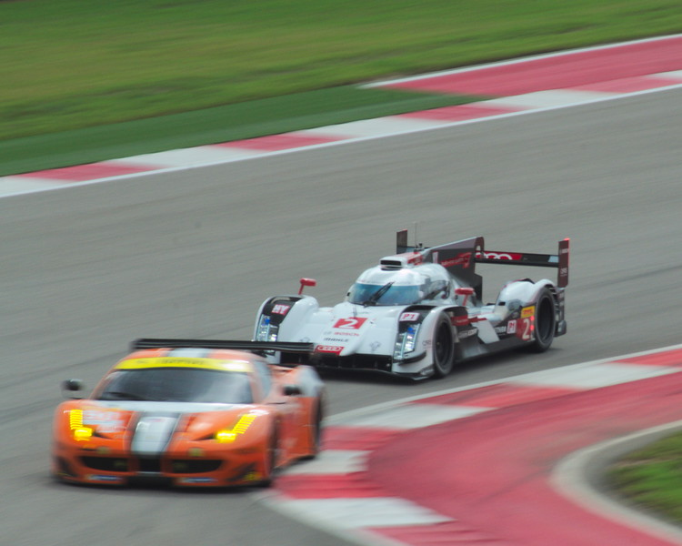 audi_r18_2_on_ferarri.jpg