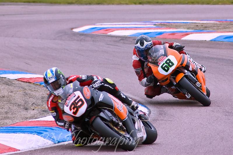 Cal Crutchlow - HM Plant Honda leading David Johnson - Team Maxxis Honda