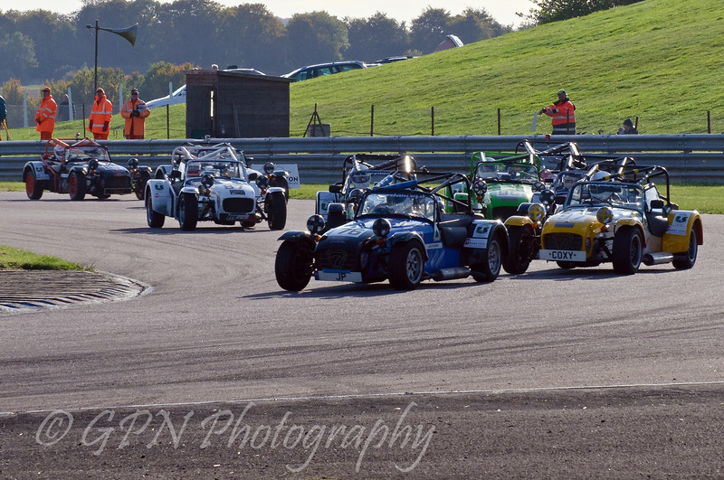 The start of the Classic Caterham race - Easytrack Caterham Graduate Championship (Classic)