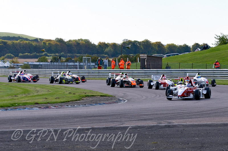 James Theodore (Hillspeed) leads the field - Protyre Formula Renault BARC Championship