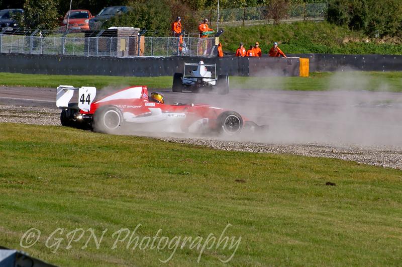 Josephine Ferrada (Hillspeed) Spins off - Protyre Formula Renault BARC Championship