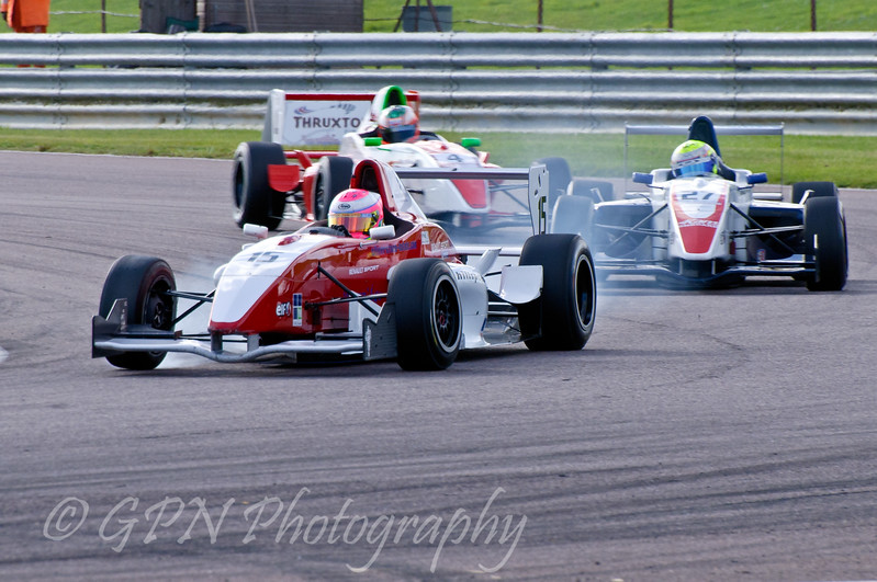 Alice Powell (Hillspeed) leads Luke Wright (SWB Motorsport) & Josh Webster (Welch Motorsport) - Protyre Formula Renault BARC Championship