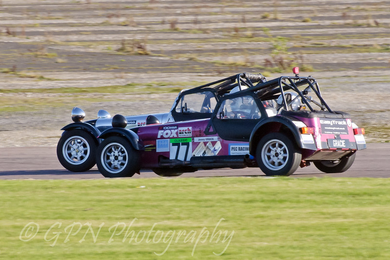 Jennifer Grace (Caterham 7) dicing with a competitor - Easytrack Caterham Graduate Championship (Classic)