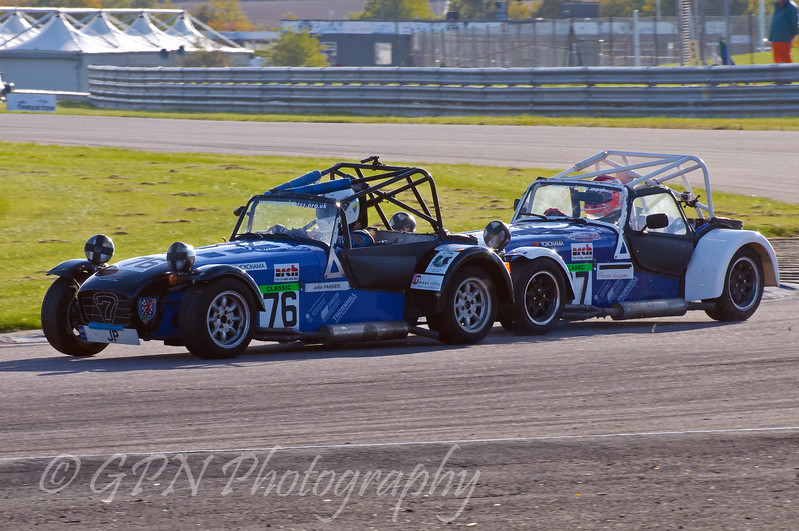John Parker leads Rowan Williams (Caterham 7) - Easytrack Caterham Graduate Championship (Classic)