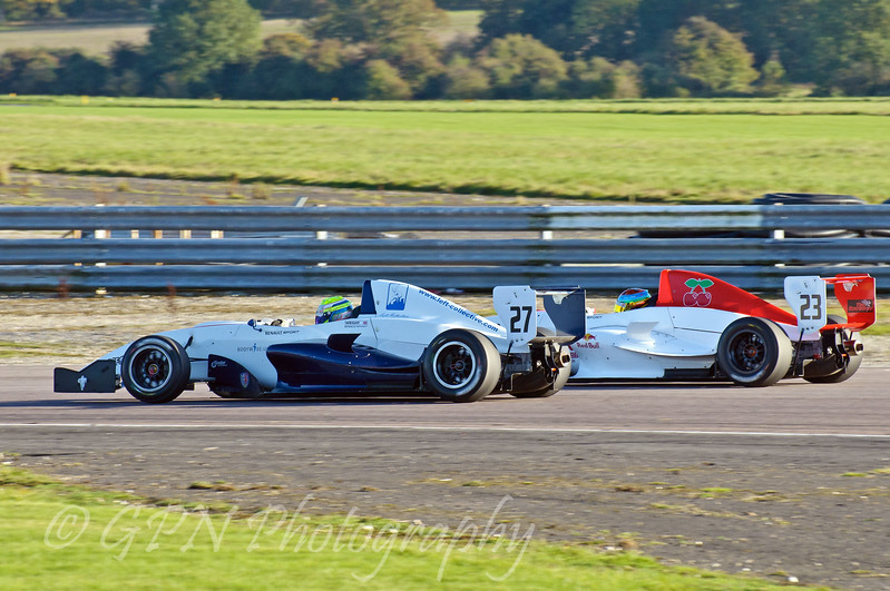 Luke Wright (SWB Motorsport) leads Joseph Reilly (Fortec Motorsport) - Protyre Formula Renault BARC Championship