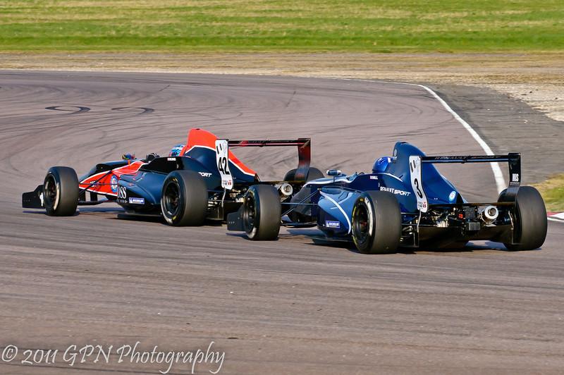 Josh Hill chasing Jordan King - Formula Renault 2.0 UK Championship