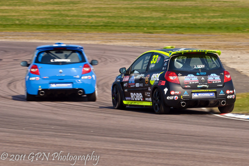 Jack Goff chasing Chris Swanwick - Renault Clio Cup UK