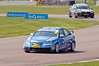 Alex MacDowall (Chevrolet Cruze) followed by James Nash (Vauxhall Vectra) - MSA British Touring Car Championship