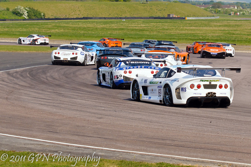 The full field at the complex on lap 1 - Ginetta GT Supercup