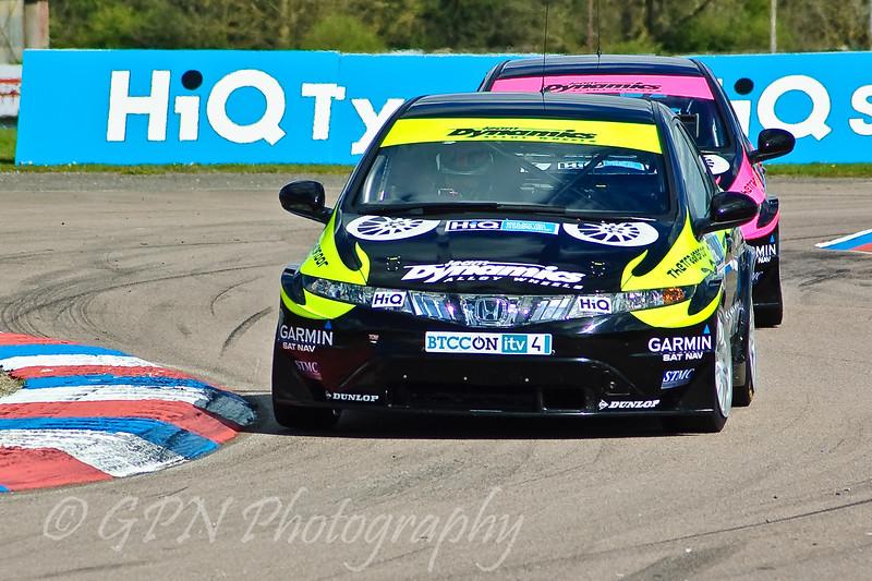 James Thompson (Honda Civic) leads Dave Pinkney (Honda Civic)