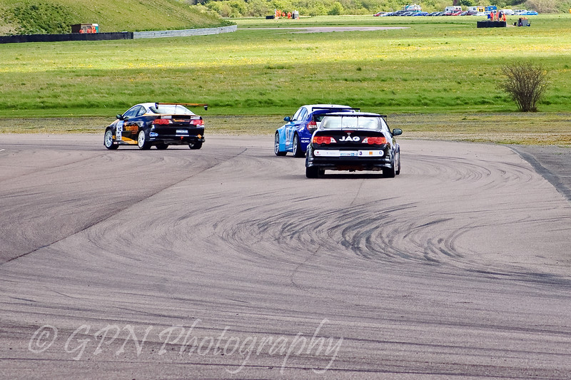 Martyn Bell (Honda Integra) leads Nick Leason (BMW 120D) & John George (Honda Integra)