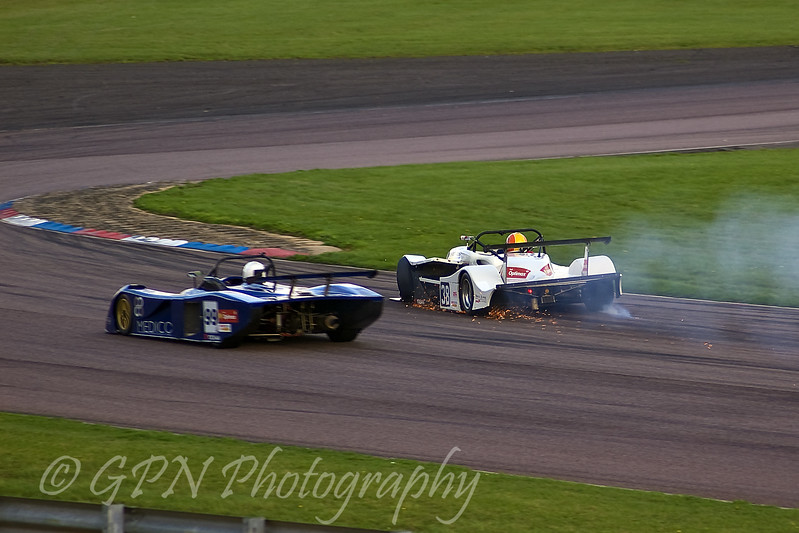 My wheel broke! Paul Tickner (Gunn TS6 Sports 2000 Duratec) loses his front wheel
