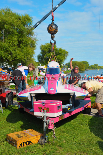 Becky Wilson's Circus Circus 1.0 Liter Modified being lowered back into the pits at the HydroBowl on Seneca Lake in Geneva, New York.