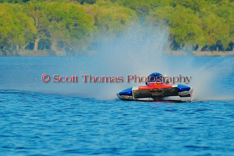 5.0 Liter Inboard Hydroplanes flying down the front stretch at the HydroBowl on Seneca Lake in Geneva, New York.