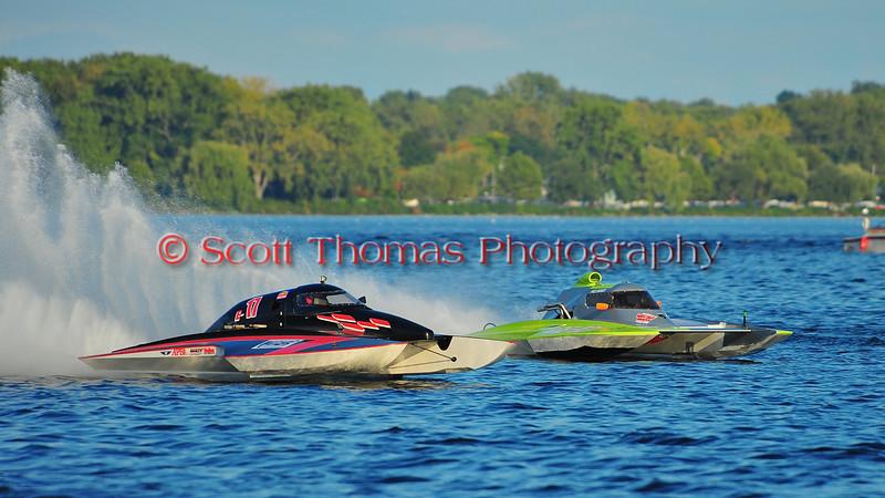 5.0 Liter Inboard Hydroplanes racing at the HydroBowl on Seneca in Geneva, New York.