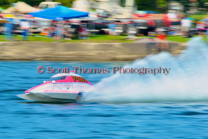 1.0 Liter Modifed hydorplanes racing at the HydroBowl on Seneca Lake in Geneva, New York.