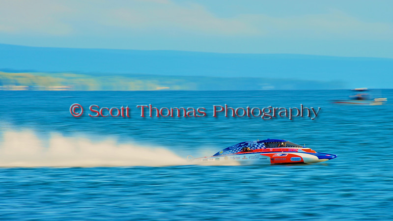 5.0 Liter Inboard Hydroplane racing at HydroBowl on Seneca Lake in Geneva, New York.