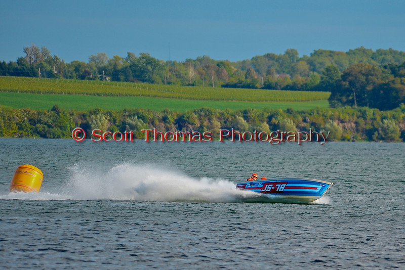 Vintage Jersey Speed Skiffs doing flybys at HydroBowl on Seneca Lake in Geneva, New York.