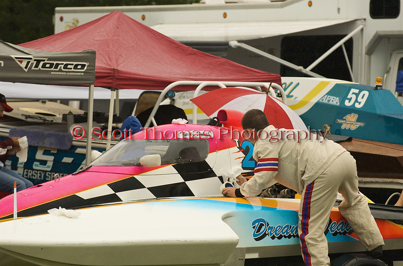 Driver Kevin Smith readies his T26 Dream Weaver hydroplane for the first heat of the day at the Syracuse Hyrdrofest on Saturday, June 20, 2009.