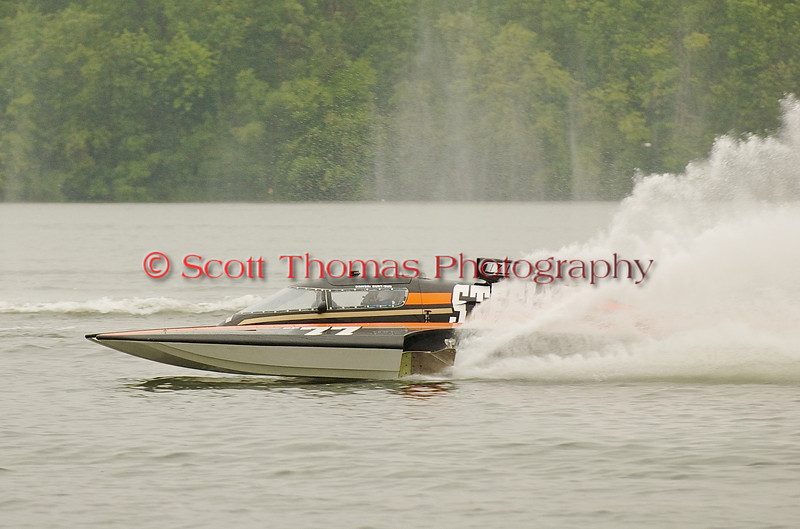 Hydroplane GP77 xxxxxxx being driven by xxxxxx xxxxxxx racing on Onondaga Lake during Syracuse Hyrdofest on Saturday, June 20, 2009.