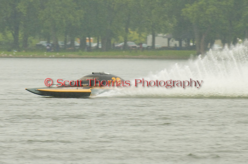Hydroplane Y20 Windshear being driven by James Wilson racing on Onondaga Lake during Syracuse Hyrdofest on Saturday, June 20, 2009.