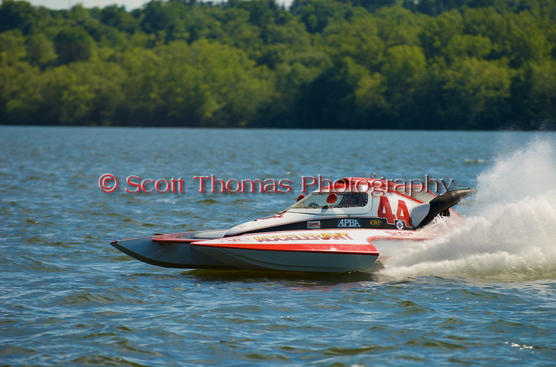 1.0 Liter Modified hydroplane Accelerent (Y-44) driven by Joseph Sovie racing at the 2010 Syracuse Hydrofest held at Onondaga Lake Park near Liverpool, New York on Sunday, June 20.