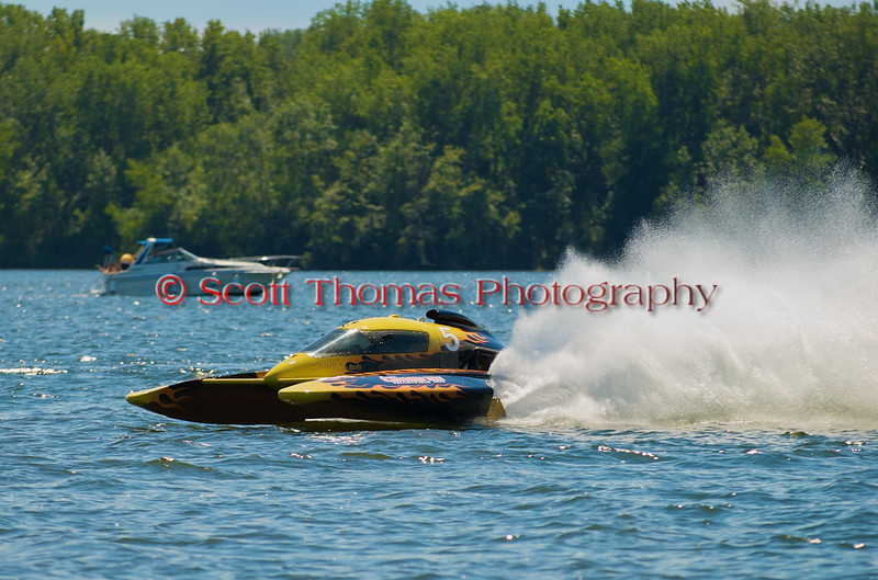 5.0 Liter Stock hydroplane Canadian Tire Valleyfield (CE-5) driven by François Campeau racing on the course at the 2010 Syracuse Hydrofest held at Onondaga Lake Park near Liverpool, New York on Sunday, June 20.