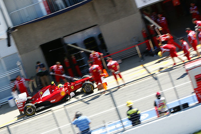 Felipe Massa's mechanics practice a pit-stop on Friday's practice session, Canadian Grand Prix, June 11, 2011.