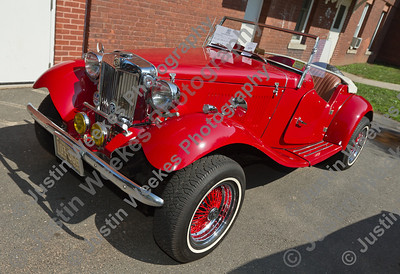 Art & Mary Ann Morneau 1952 MG TD Replacar