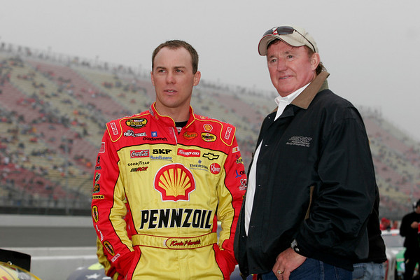 Kevin Harvick chats with Richard Childress