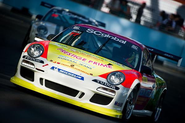 Porche Carrera Cup 2010, Singapore and Abu Dhabi