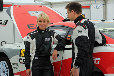 Isolde Holdereid, T Schmidt, Toyota GT86 CS-R3, 00 car.