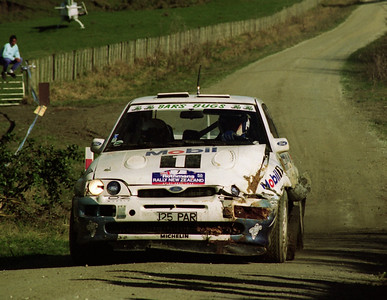 Ari Vatanen, Ford Escort Cosworth, after hitting a bank and loosing 3 minutes of the road in the Whakarau stage.