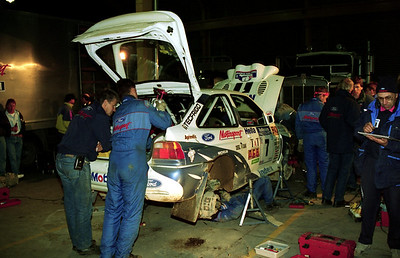 Ari Vatanen, Ford Escort Cosworth, service Rotorua.
