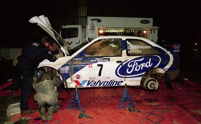 Ford Escort service, Mangatoroto.