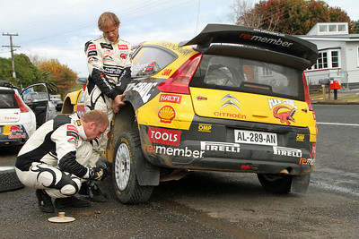 Petter Solberg - He really is superman! - Te Mata - tyre change between SS 20 (Te Hutewai 2) and SS21 (Whaanga Coast 2).